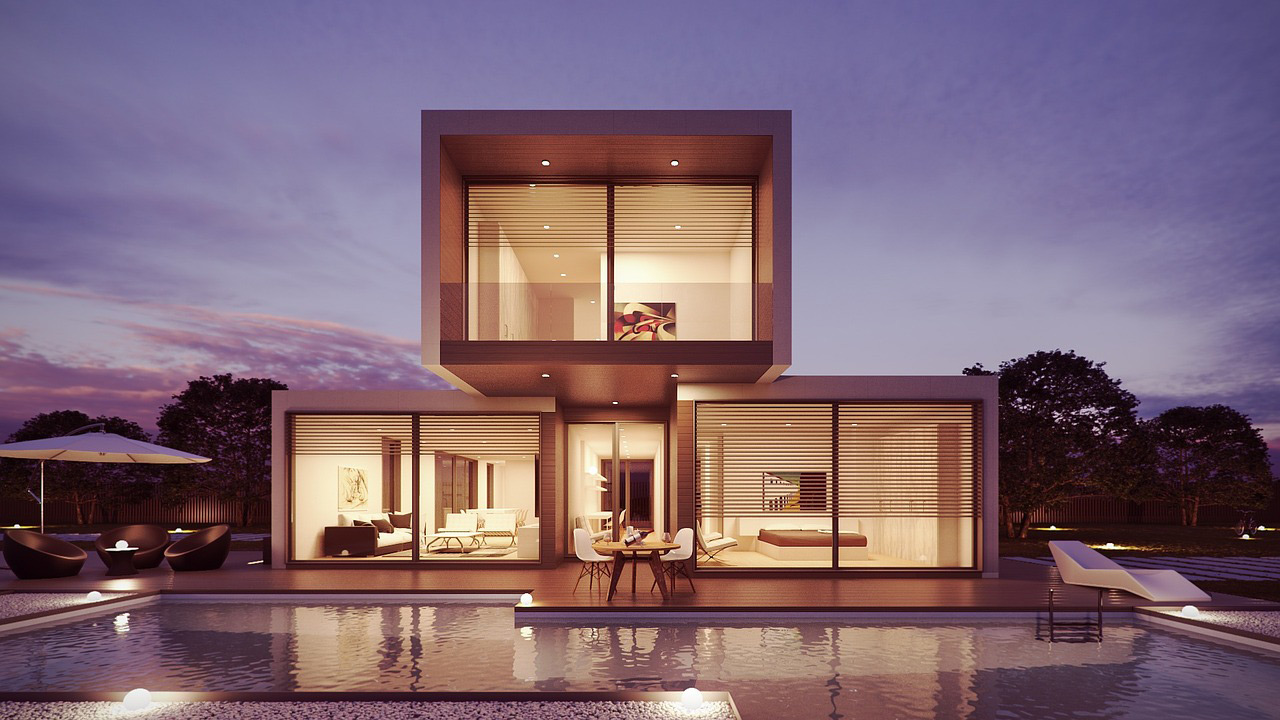Piscina en casa moderna