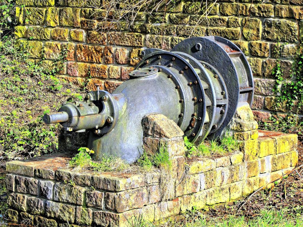 Bomba de agua oxidada
